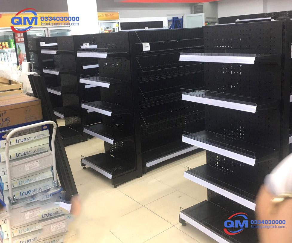 Kệ siêu thị đơn lưới Quang Minh